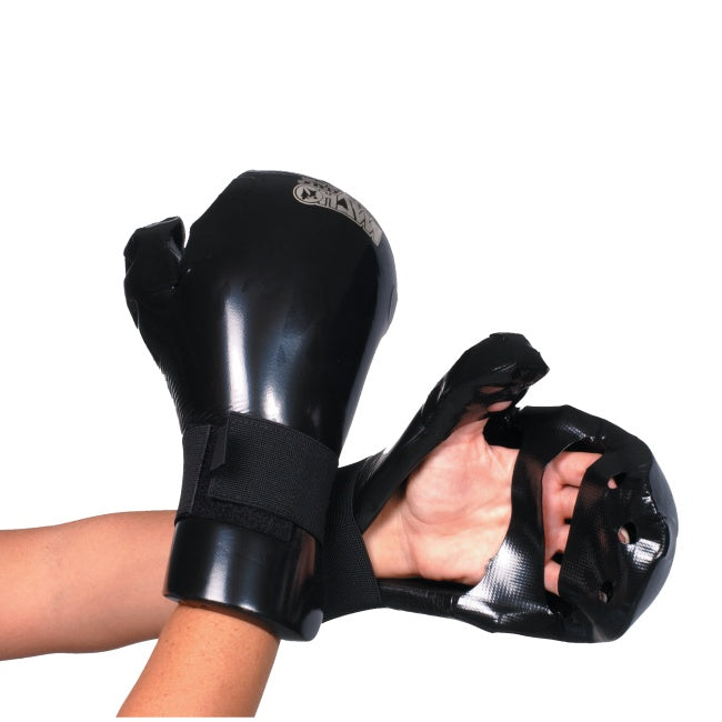 Weapon - Dyna Closed Glove