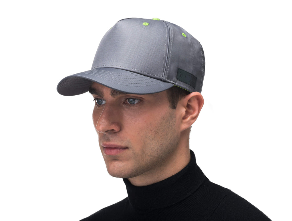 Unisex 5 panel baseball cap with adjustable back and contrast colour detailing in Concrete| color