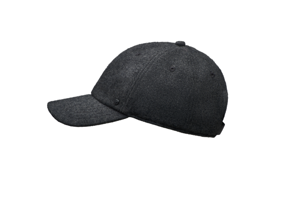 Six panel baseball cap in Black| color