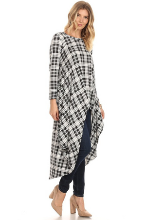 Long Sleeved High-Low Top Black/White Plaid