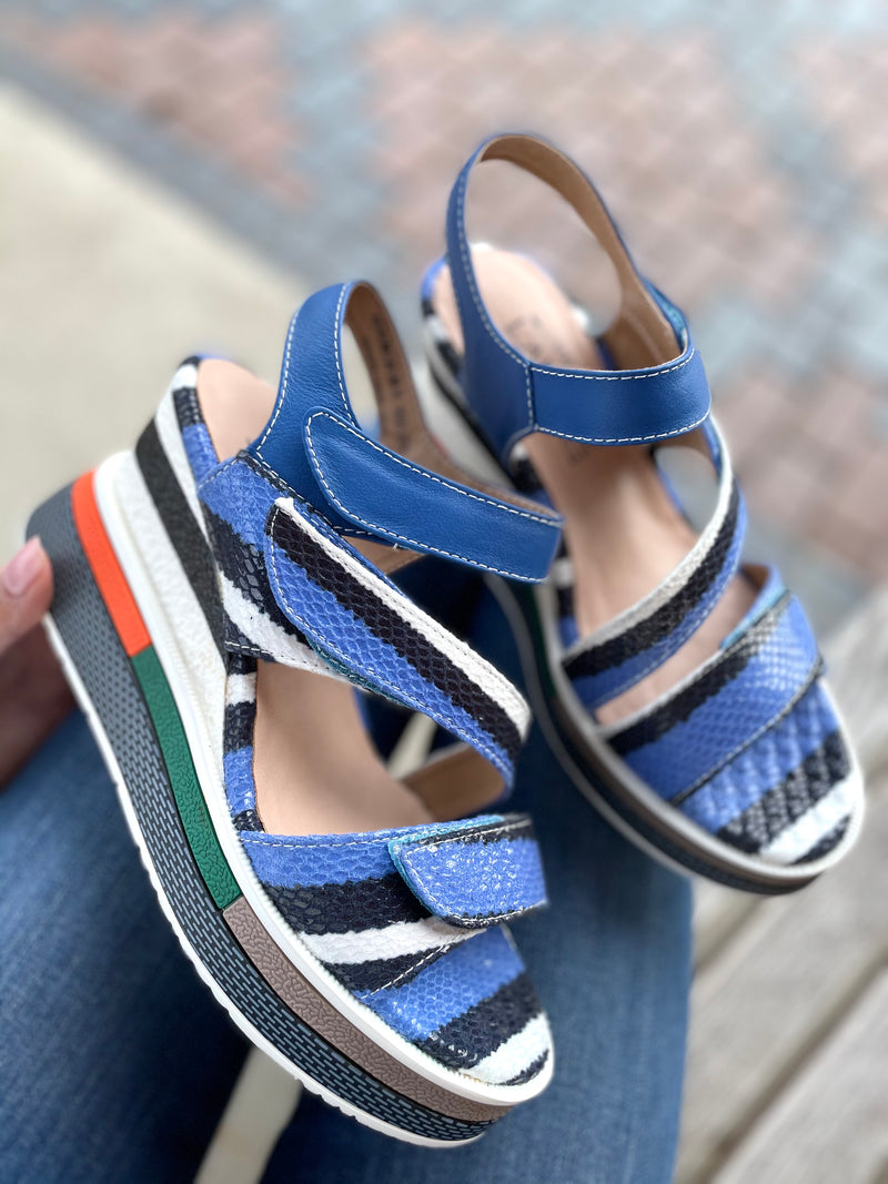 L'Artiste by Spring Step Akokomo Blue Multi