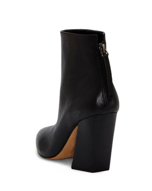 Vince Camuto Saavie Black