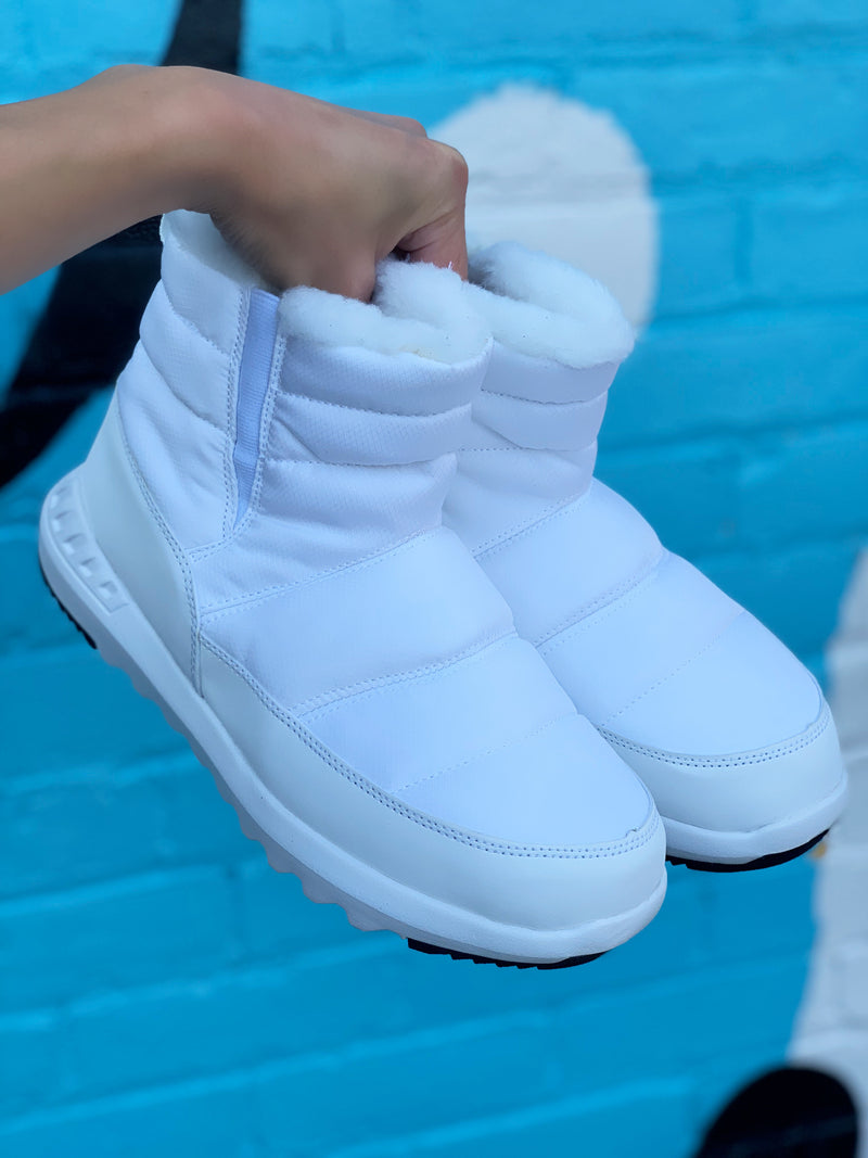 Bearpaw Puffy White