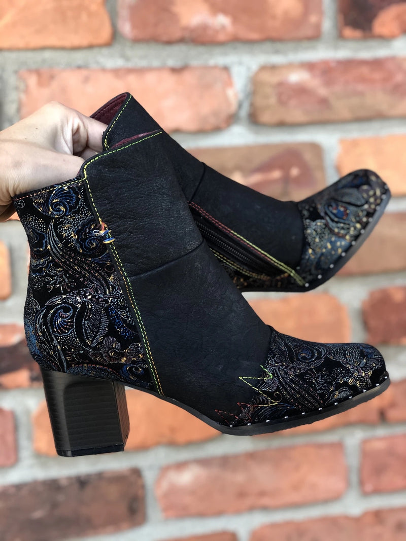 L'Artiste by Spring Step Jewells Black Multi