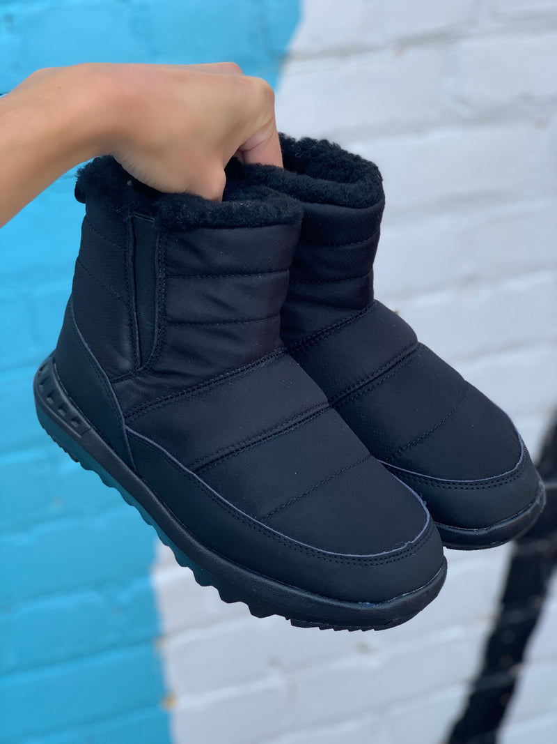 Bearpaw Puffy Black
