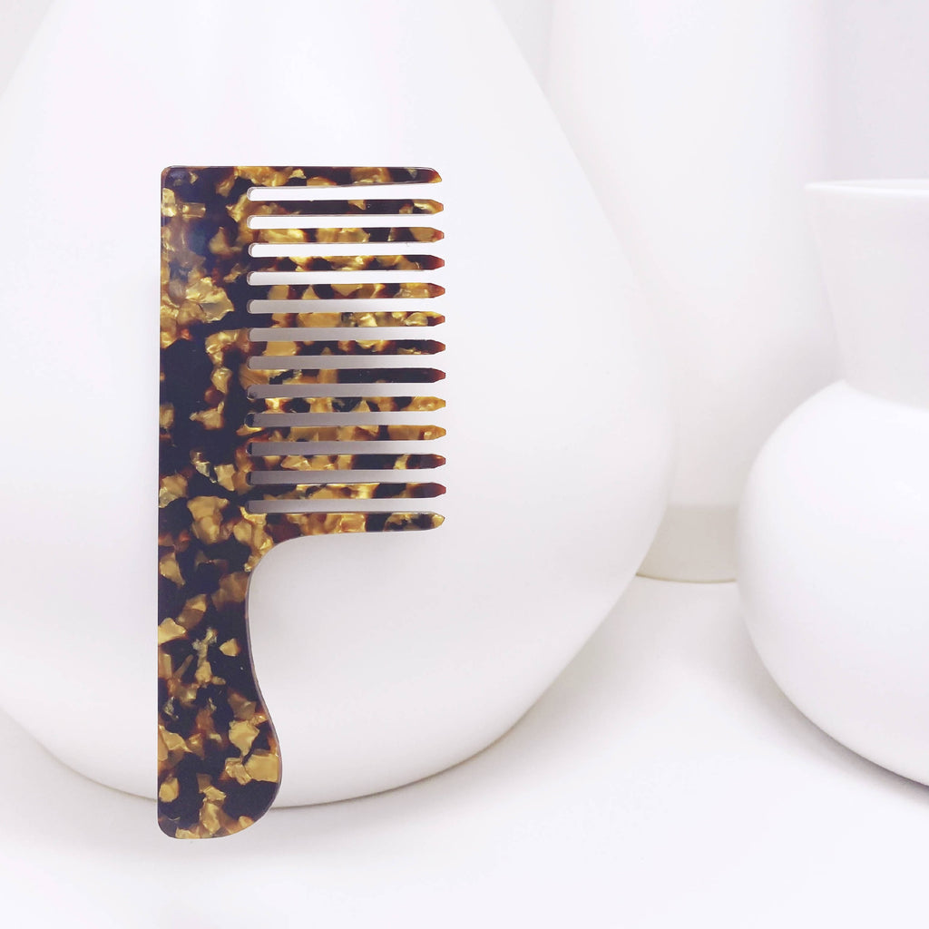 Combs + Picks in Gold Granite