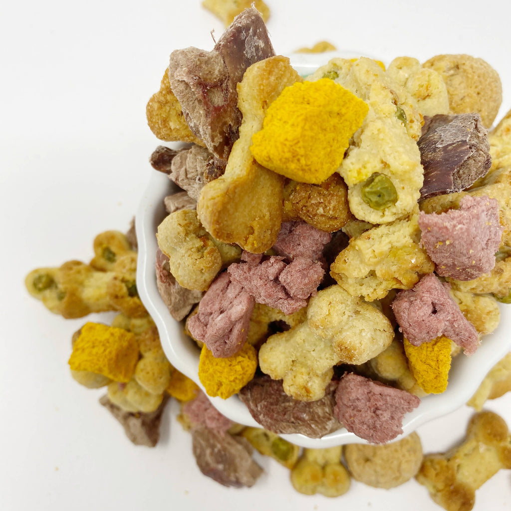 All natural gluten free dog treat poppers in three delicious flavors  with crunchy oats, peas, carrots and more.