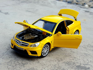 1:32 Mercedes-Benz C63 AMG Coupe Die-Cast