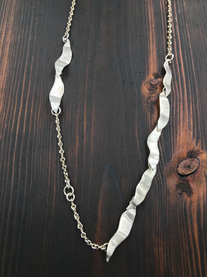 Classic Leaf Necklace - The Jewelry Shop