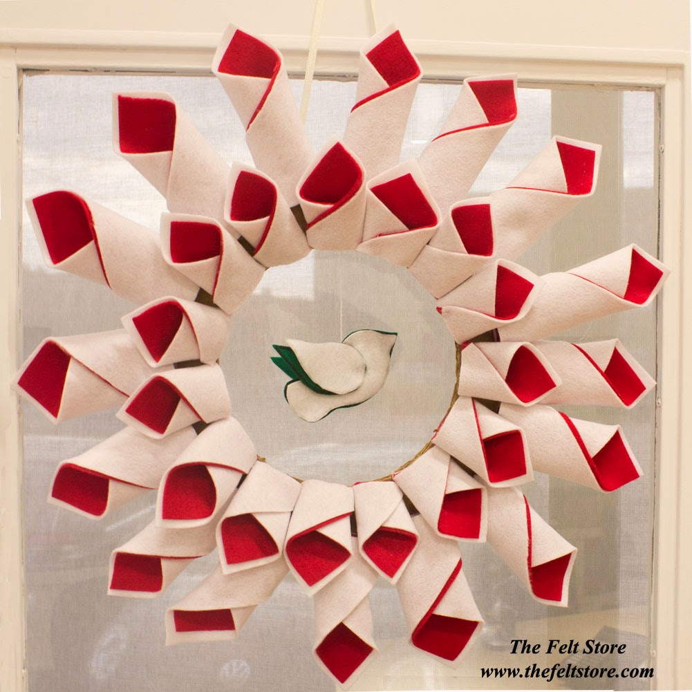 Felt Holiday Wreath Tutorial