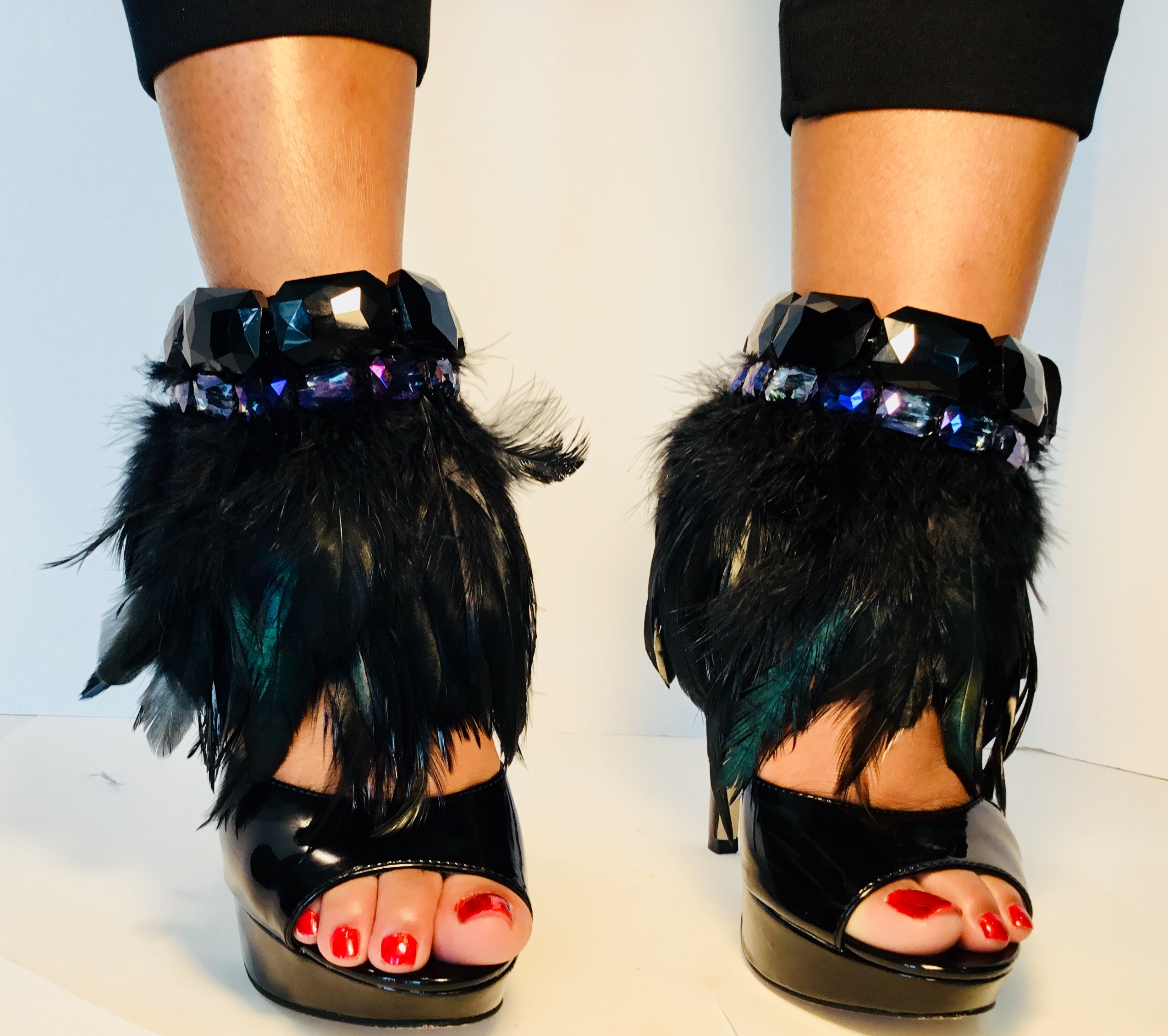 THE COCO - Iridescent Moss Feather/Vivid & Noir Crystals