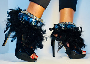 BOSSY- SIGNATURE LABEL- Noir Fluffy Feather/Antique & Sky Crystals