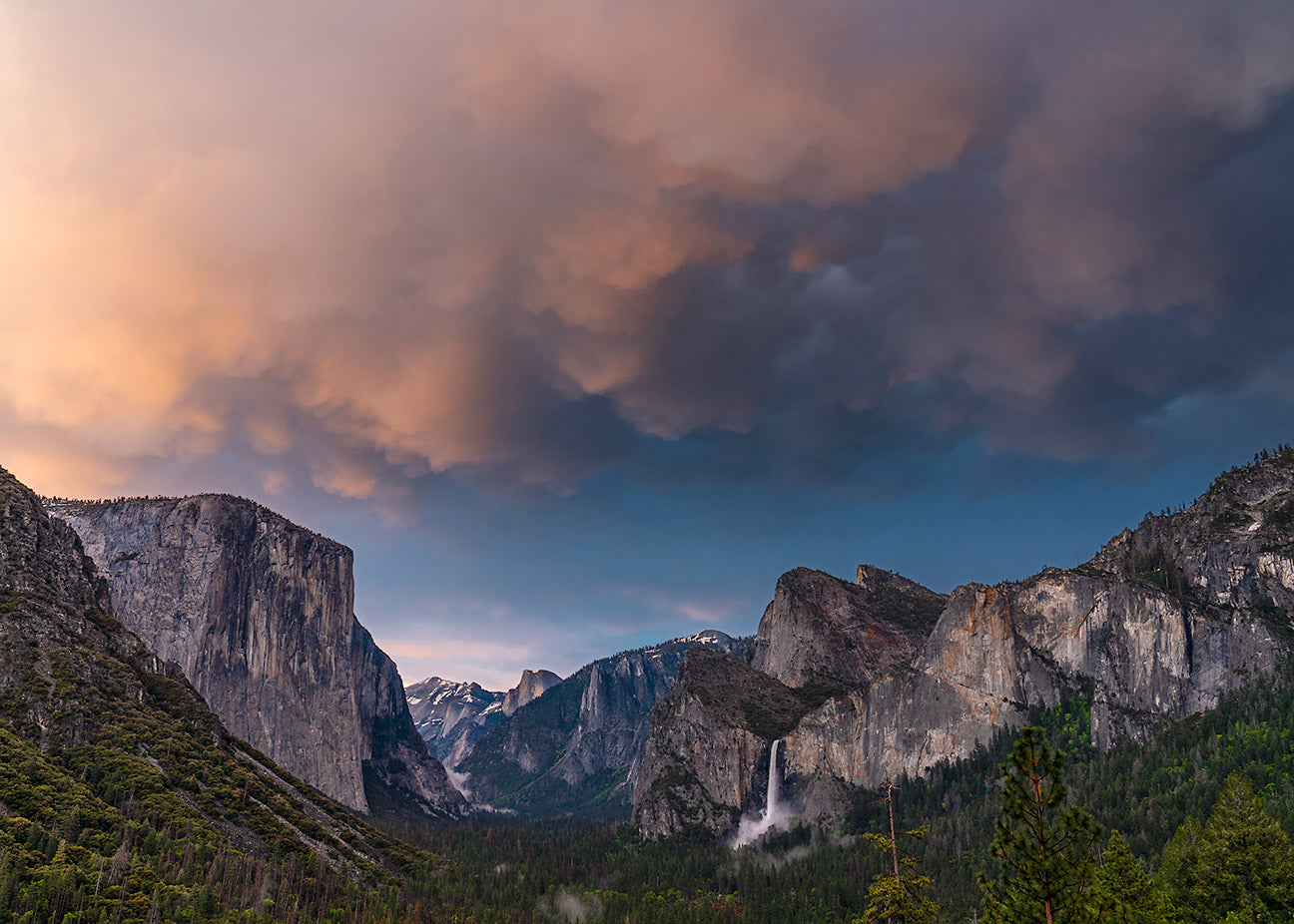 Mammatus Clouds over Yosemite Valley