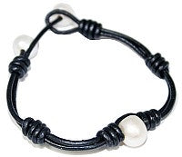 Centered Pearl Leather Bracelet