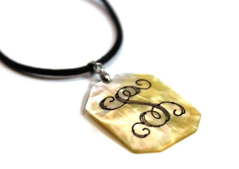 Octogon Engravable Shell Pendant - Allyanna Gifts