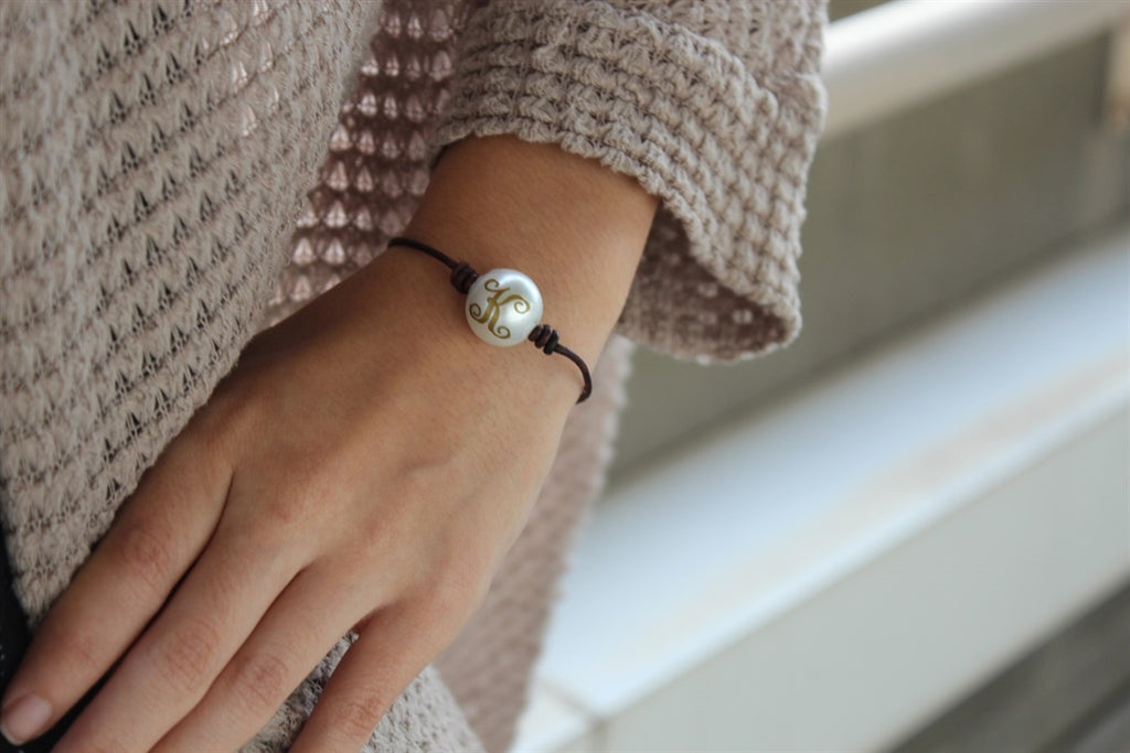 One Pearl Leather Bracelet - Allyanna Gifts