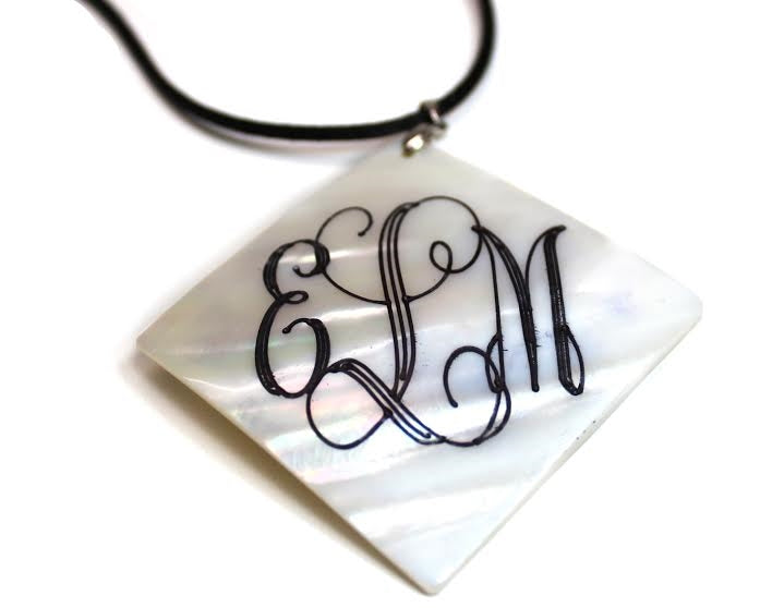 Square Engravable Shell Pendant - Allyanna Gifts
