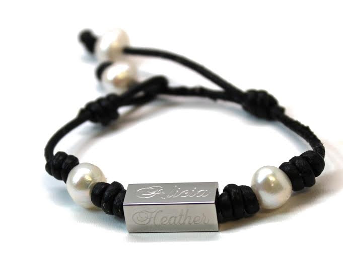 Engravable Pearl Leather Bracelet