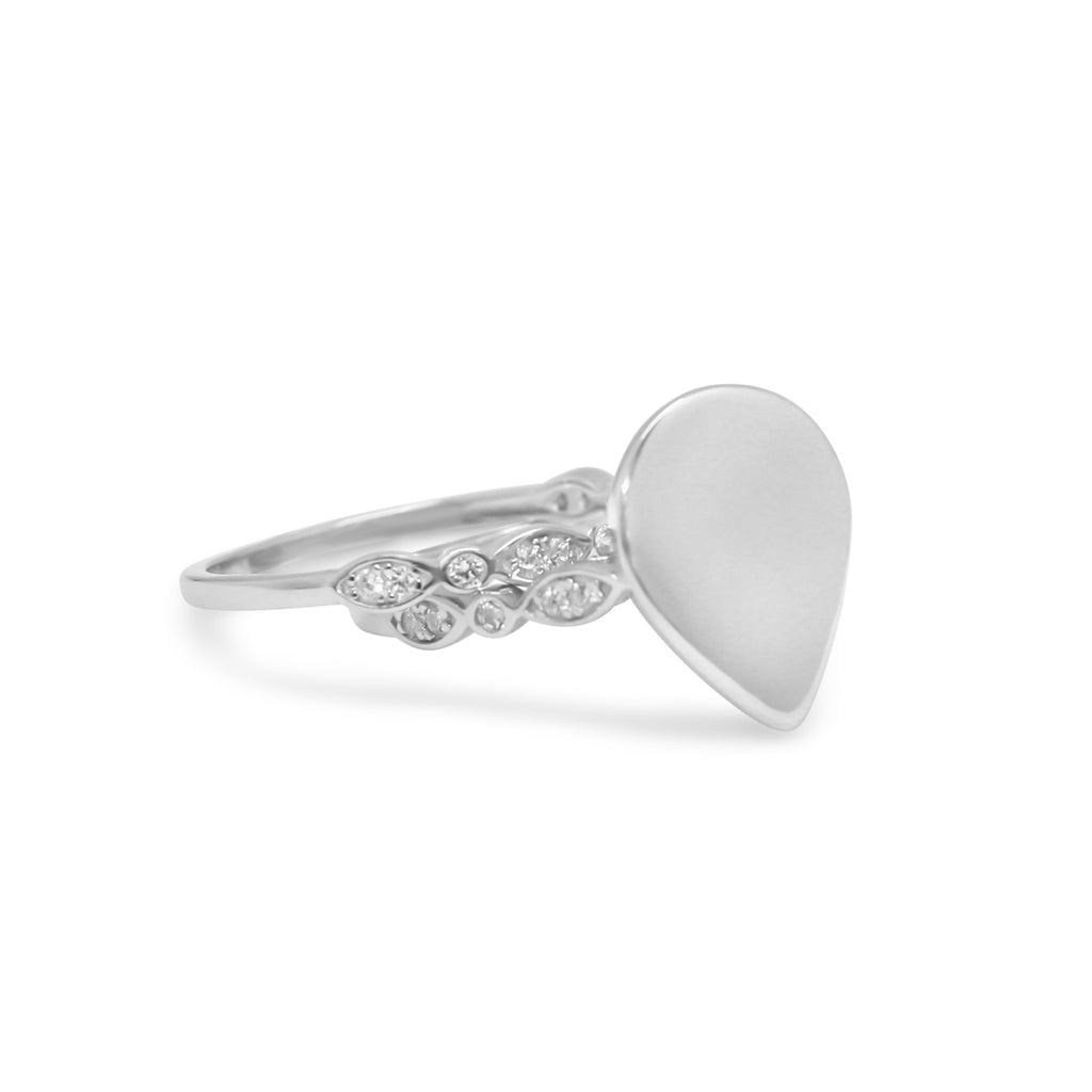 Teardrop Tianna Ring