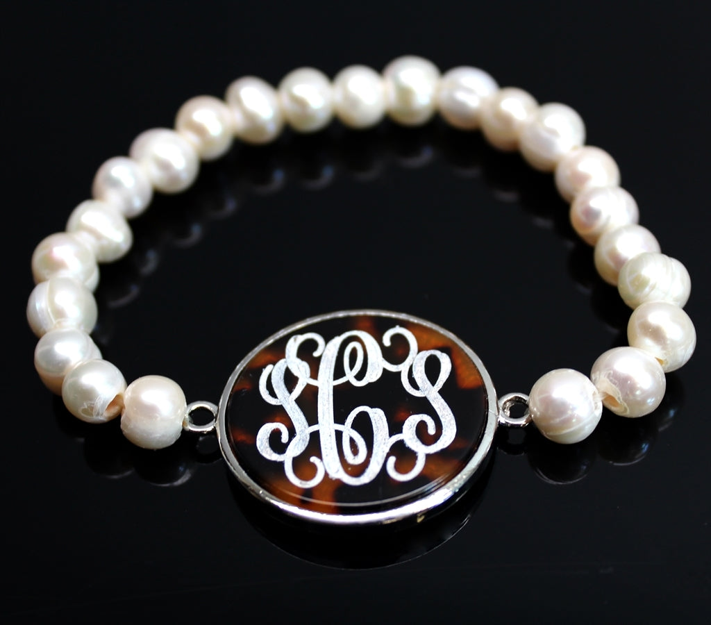 Freshwater Pearl Bracelet with Engravable Disc