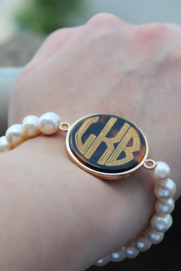 Freshwater Pearl Bracelet with Engravable Disc - Allyanna Gifts