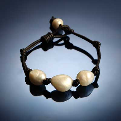 3 Pearl and Leather Bracelet