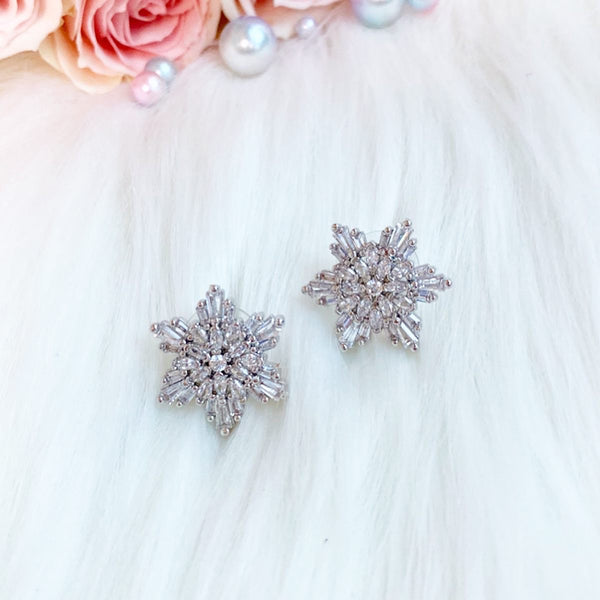 Elsa Earrings, snow flake, Frozen, disney bound