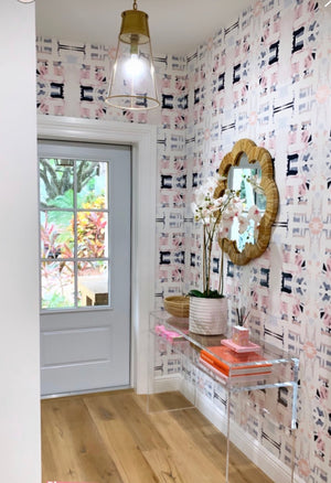 navy pink wallpaper, foyer wallpaper, entryway wallpaper, mudroom wallpaper, pink blue navy wallpaper, wallpaper grey door, grey door entrance, hallway decor 2019, interior design entrance, foyer decor 2019