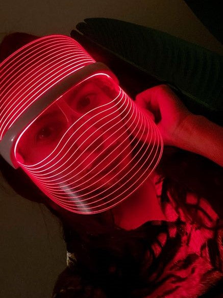 GLOW LED THERAPY SHIELD™