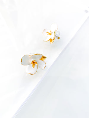 Small White Flower Earrings