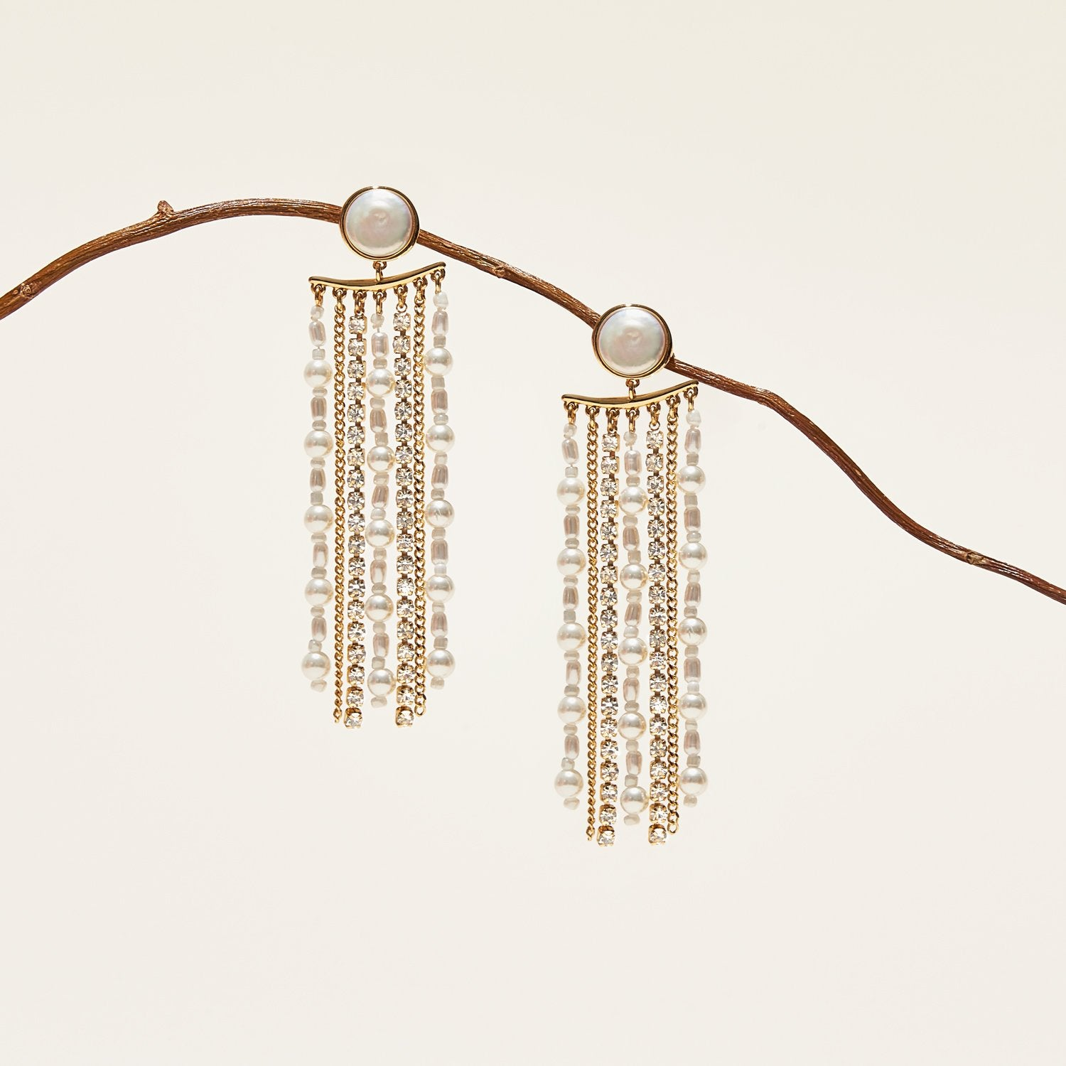 Beatrice Dangle Earring