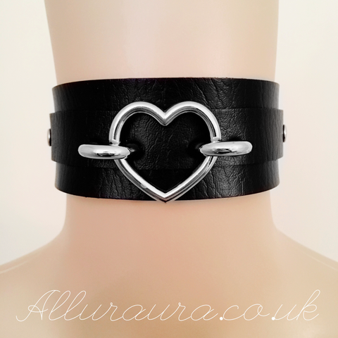 Oversized Heart Choker (Black)