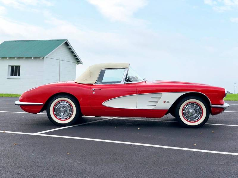 6 1960 Chevrolet Corvette Convertible