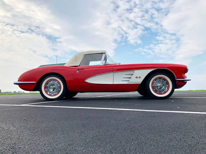 8 1960 Chevrolet Corvette Convertible