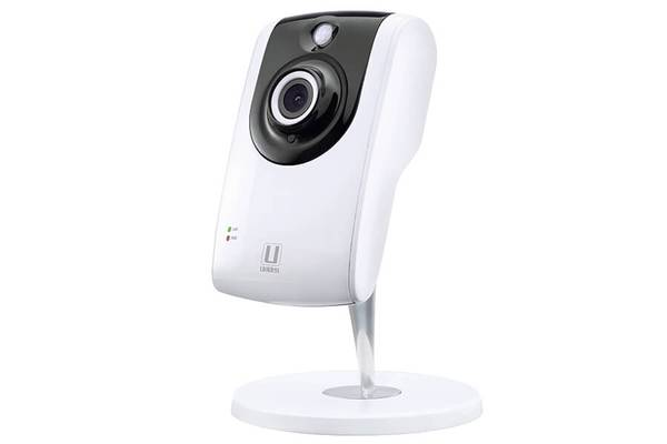 3 indoor WIFI camera AppCam24HD security cameras uniden