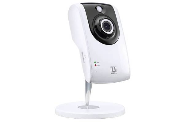 4 indoor WIFI camera AppCam24HD security cameras uniden