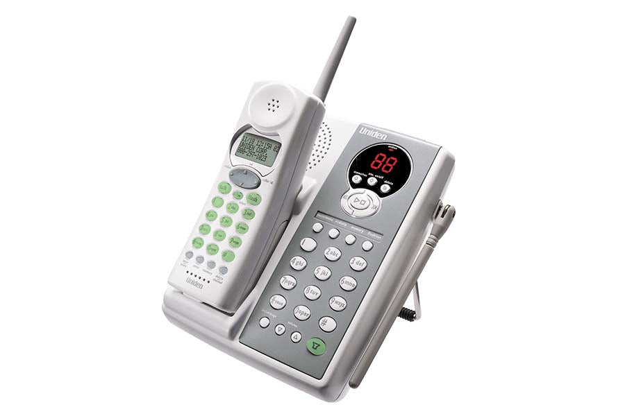 900 MHz DSS Cordless Phone with Interchangeable Face Plates & Digital Answering System & Headset