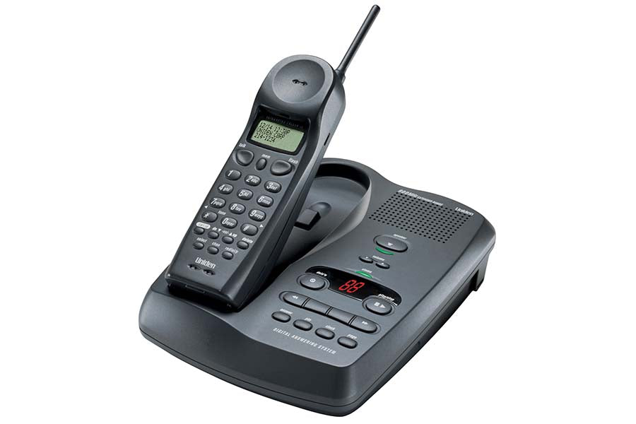 900 MHz Cordless Phone with Integrated Digital Answering Machine - EXAI7980