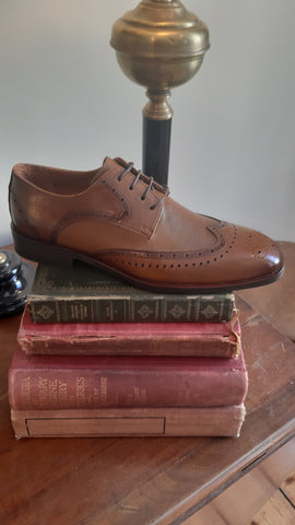 George Brogue Cognac Shoes By Benetti