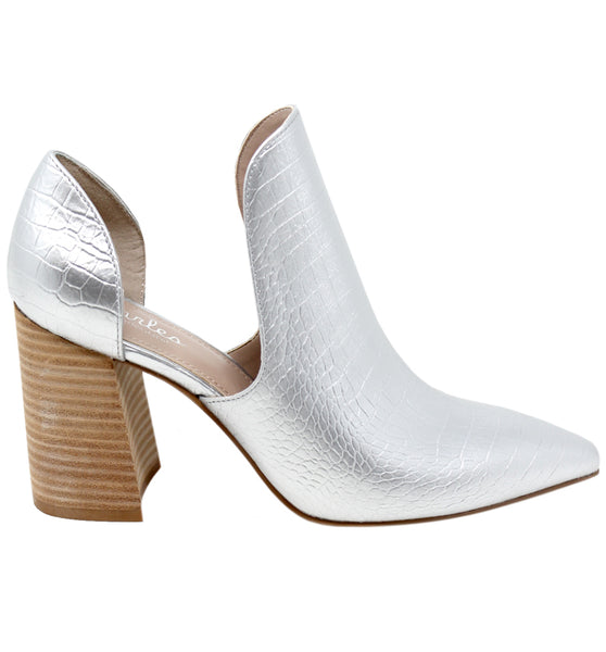 Details about  /Women/'s CHARLES by Charles David Women/'s Varro Cut-Out Booties Silver