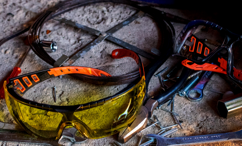 What are Wrap Around Safety Glasses and why do I need them?