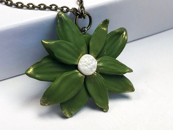 Summer Flower Pendant Necklace