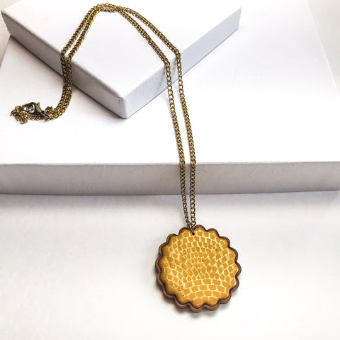 Circle of Gold Pendant Necklace
