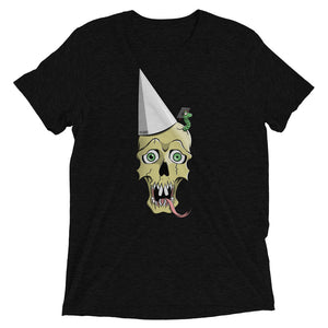 Black graphic tee depicting a skull wearing a dunce cap as a worm emerges from its head.