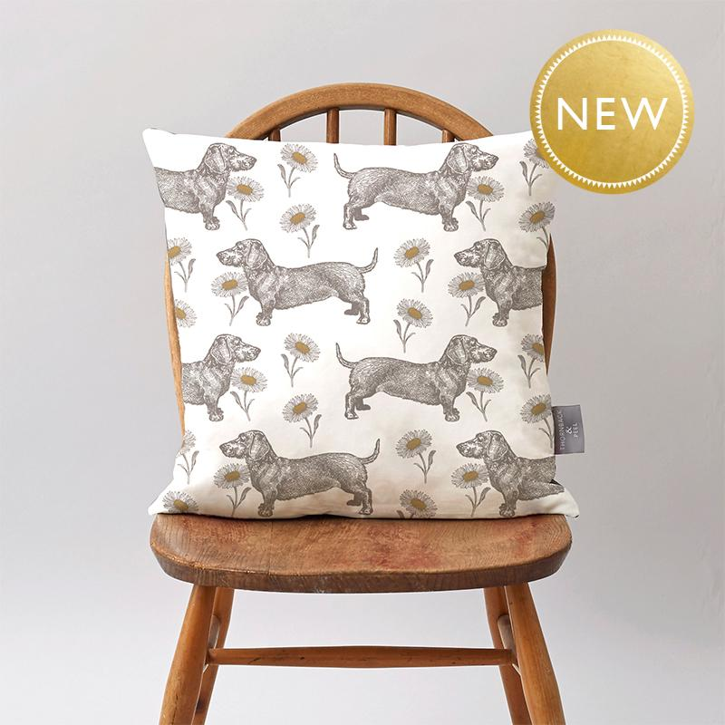 Dog & Daisy Cushion on Oyster