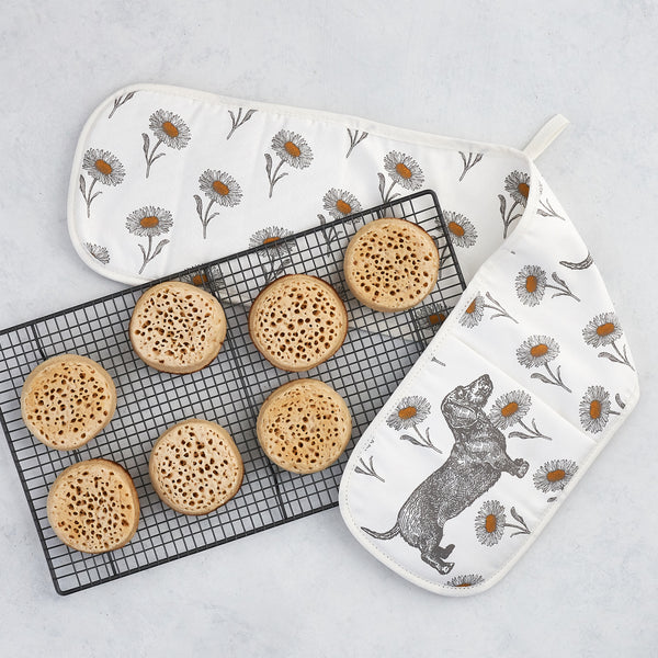 Dog & Daisy Oven Glove