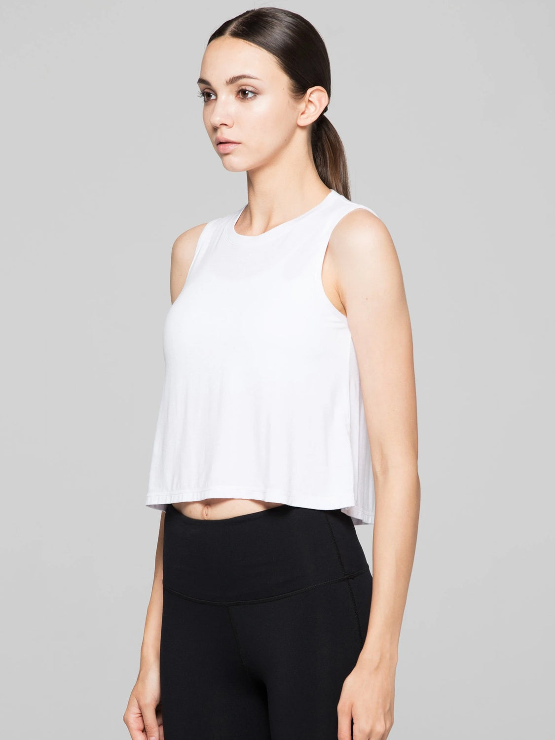 LOOSE CROPPED MUSCLE TANK, WHITE