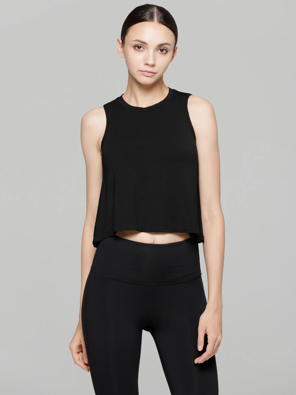 LOOSE CROPPED MUSCLE TANK, BLACK