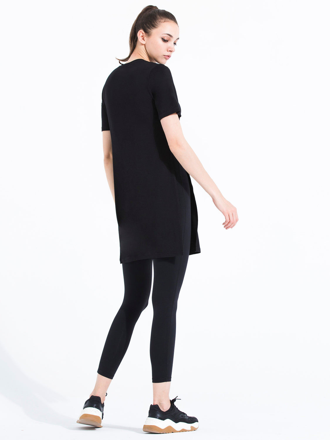TRIPLE LONG SLIT TEE, BLACK