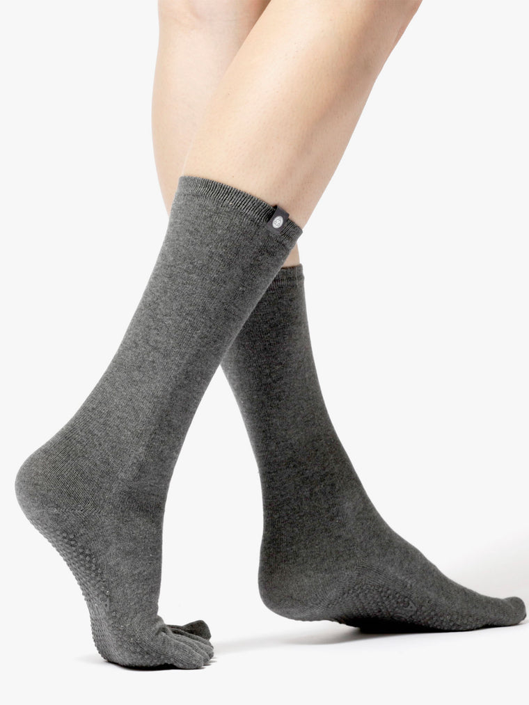 KNEE HIGH FULL TOE YOGA GRIP SOCKS, GREY